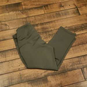 Old Navy army green workout tights. Sz Small